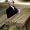 George Washington mit Dosenbier.jpg
